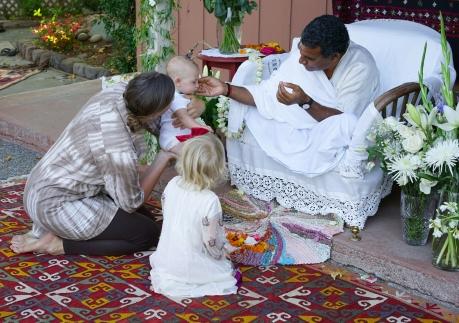 09 Babaji with Sara, Jade, Jamil